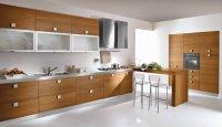 Кухонные гарнитуры из натурального шпона.
